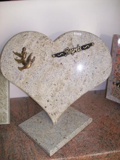 Funéraire coeur en granit cachemire