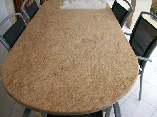 Table granit MADURA GOLD
